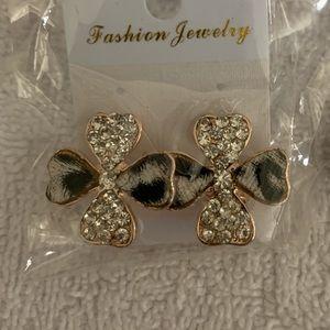 Four leaf clover style earrings
